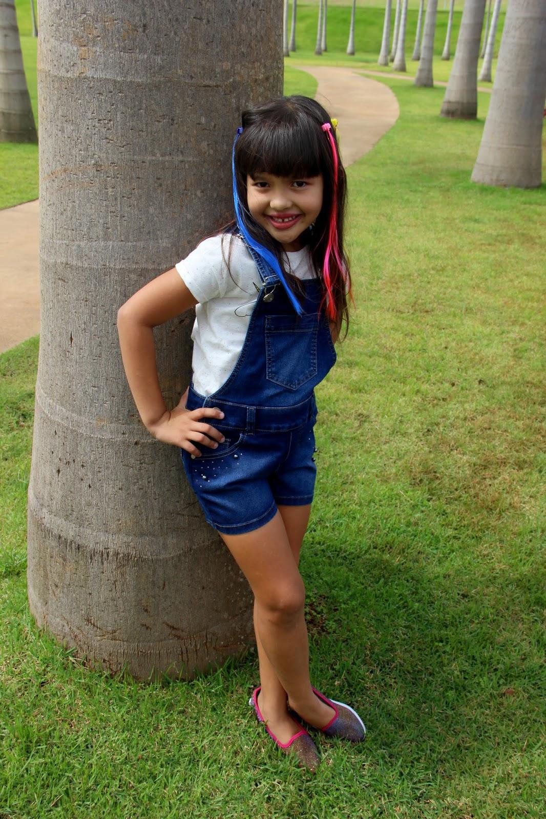 Blog da lilian brito look da rafa jardineira jeans mania for Jardineira jeans infantil c a