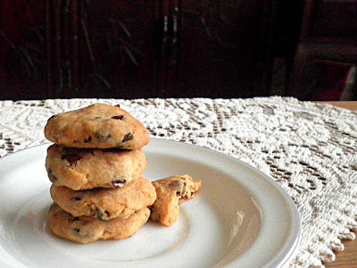 Dates & Cornflakes Cookies Recipe @ treatntrick.blogspot.com