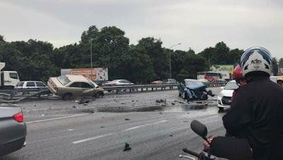 Pemandu Lori Direman Tiga Hari - Tingkap Berita