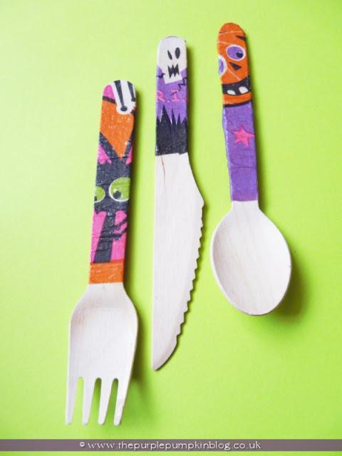Halloween Decorated Wooden Cutlery | The Purple Pumpkin Blog
