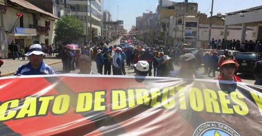 A ritmo de «Santiago» maestros de Junín rechazan acuerdo con gobiernos regionales