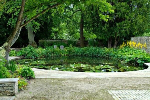 Un jard n del pa s de las maravillas guia de jardin - Jardin con estanque ...