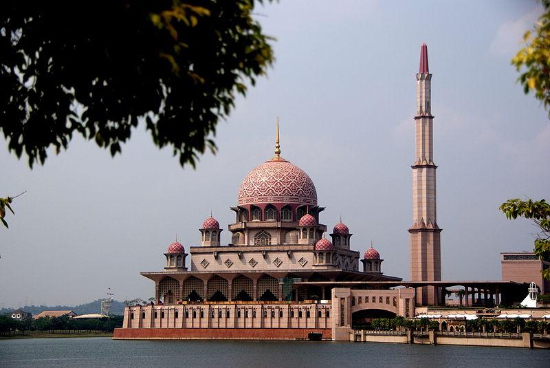 Malaysia Gelar Shalat Hajat Minta Dilindungi dari Corona