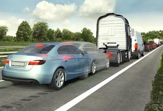 Los fabricantes de coches, a favor de que los coches incluyan de serie más sistemas de seguridad