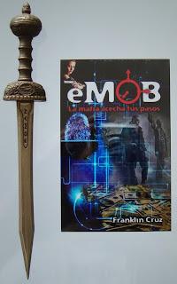 Portada del libro eMob: La mafia acecha tus pasos, de Franklin Cruz