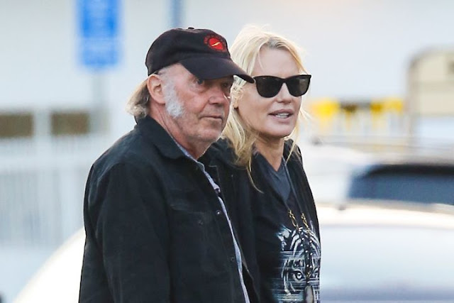Neil Young and Daryl Hannah got married
