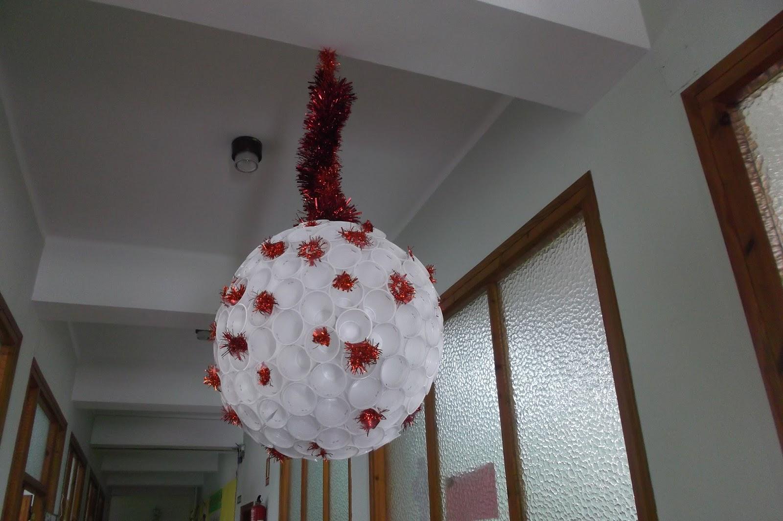 Llego La Navidad Colegio Santa Ana Huesca - Arbol-de-navidad-con-vasos-de-plastico
