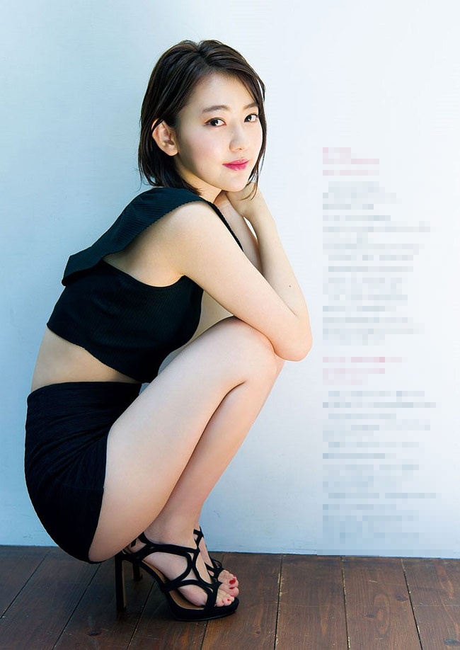 IZ*ONE Miyawaki Sakura Top 10 Hottest Photos!