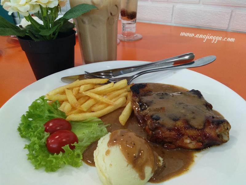 Makan Western Murah dan Sedap di GH Corner - Rawang