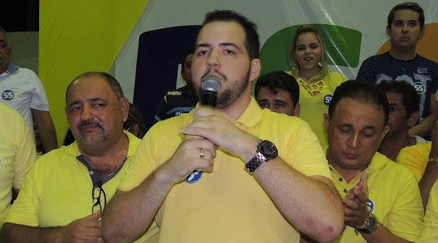 Candidato a prefeito Victor Costa quer seguir o modelo de gestão do pai Hulgo e do primo Braz