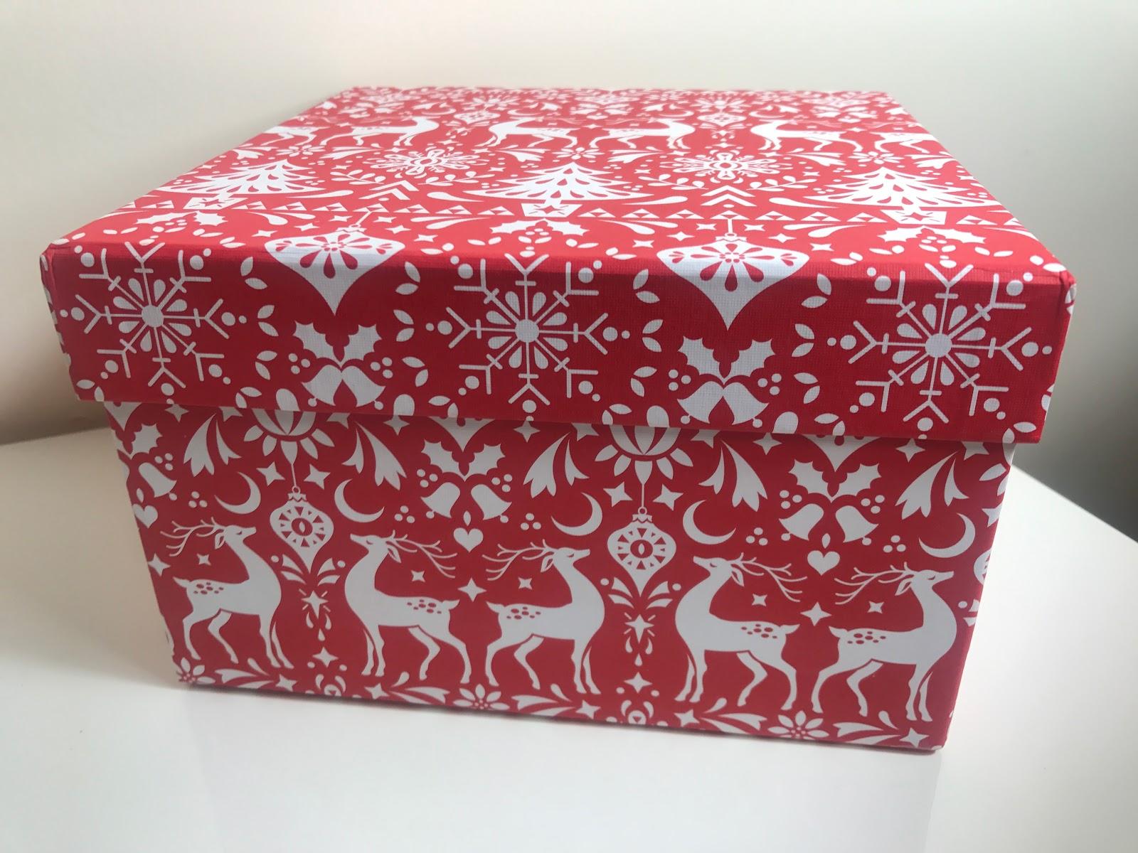 Paperchase Christmas Scandi Medium Gift Box