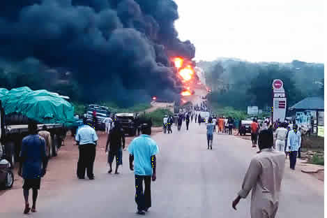 Fatal Accident On Lokoja Highway, 3 Persons Burnt To Death