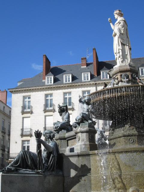 blog de nantes nantes fontaine de la place royale. Black Bedroom Furniture Sets. Home Design Ideas