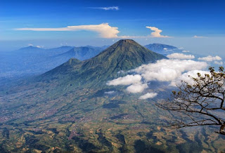 Gunung Sindoro Sumbing di Jawa Tengah
