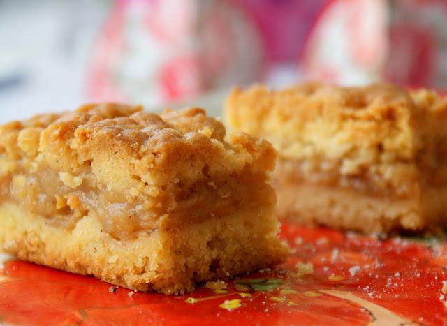 jabłecznik,ciasto z jabłkami,szarlotka,placek z jablkami,pyszne ciasto na niedziele, latwe ciasto,