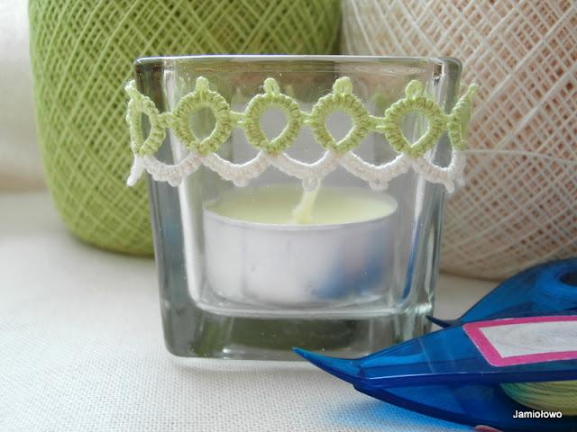 frywolitkowa opaska na świecznik lub wazon