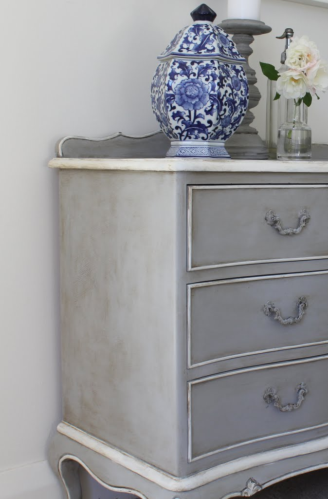 lilyfield life starters 39 guide how to antique painted furniture using dark wax. Black Bedroom Furniture Sets. Home Design Ideas