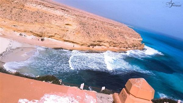 شاطئ عجيبة في مرسي مطروح