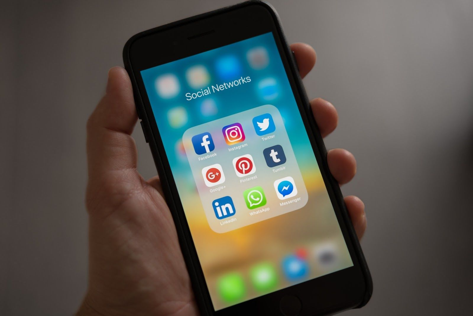 iphone social networks