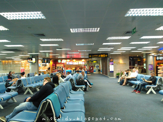 suasana di phuket international airport