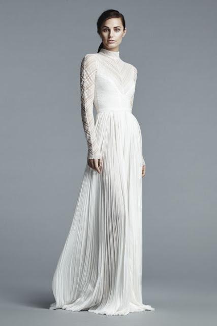 Vestido de novia con cuello cisne de J. Mendel 2017 - Foto: www.harpersbazaar.com