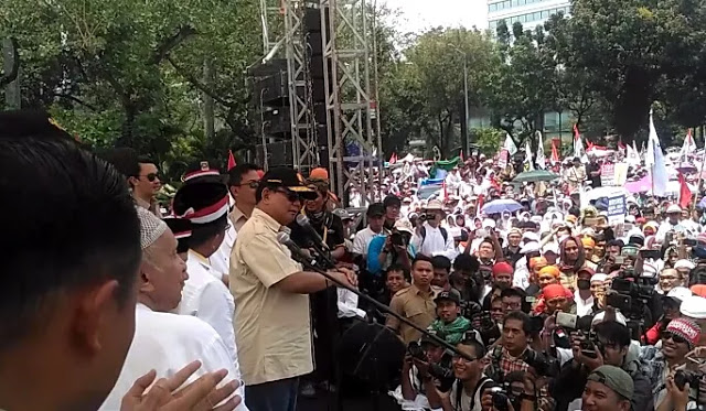 Prabowo Sebut Bantuan Pemerintah untuk Rohingya Hanya untuk Pencitraan