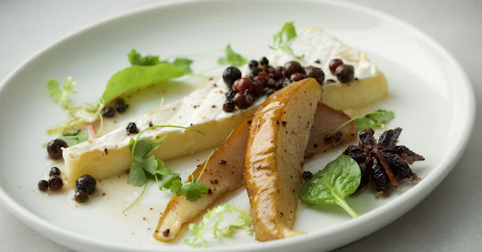 Brie with Pears Pocket in Spices_Wine Marry