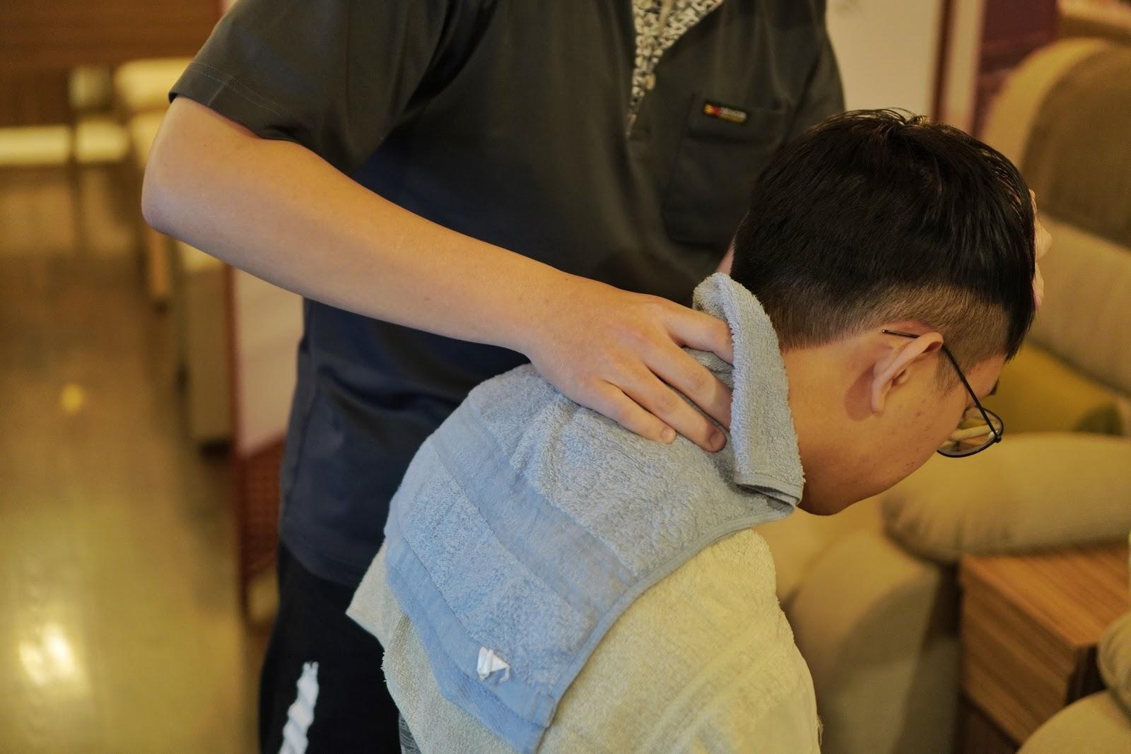 台南中西區按摩【綠海足體養生館】肩頸按摩