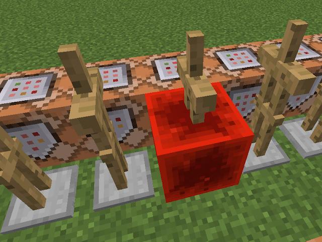 Minecraft weergave van een huiswerkmachine met redstone en command blocks.