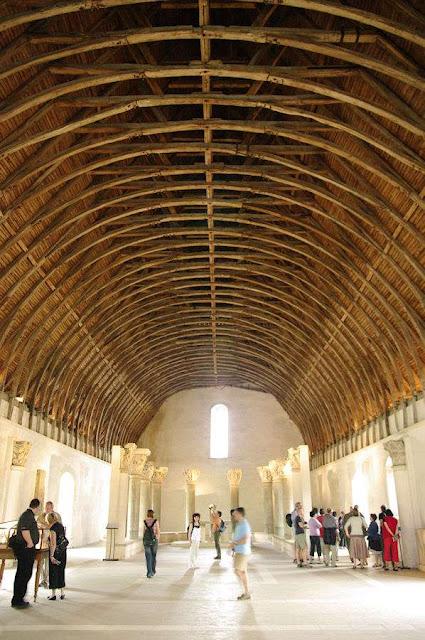 Celeiro de Cluny: tão grande que hoje abriga um museu