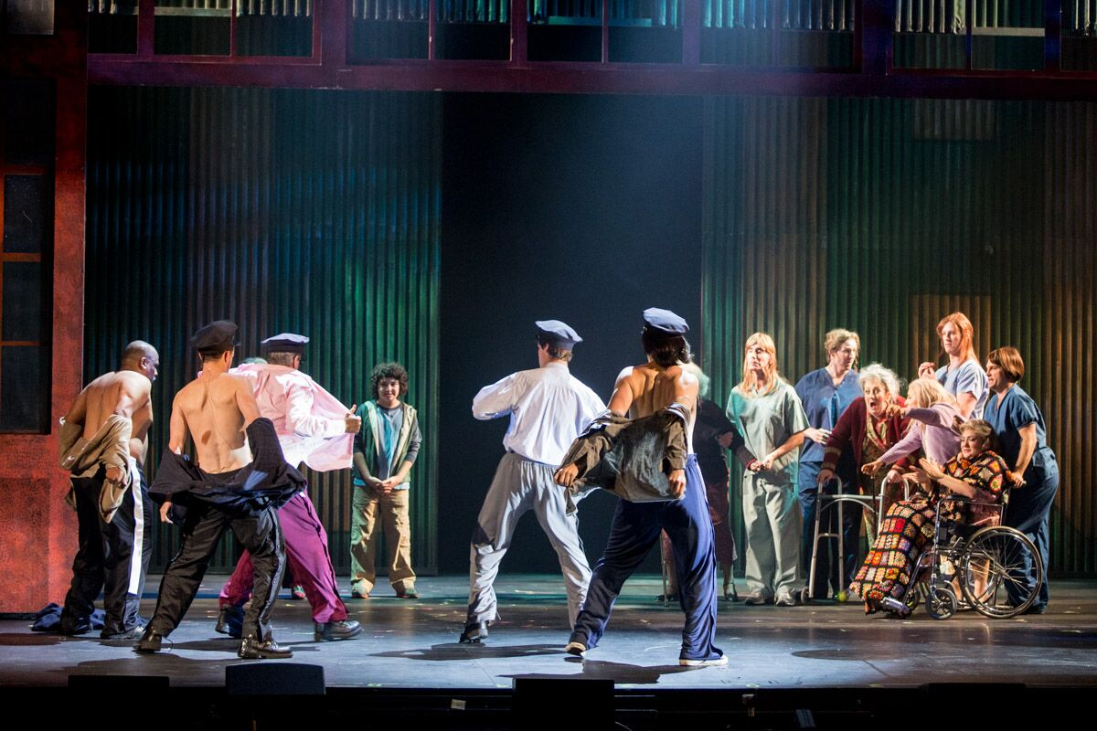 the full monty The full monty is one of the most acclaimed british films ever and stage play has become one of the most phenomenal theatrical productions ever.