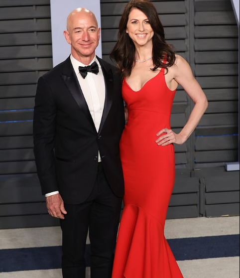 Jeff Bezos settles his divorce with wife MacKenzie, giving her $32billion of his Amazon shares