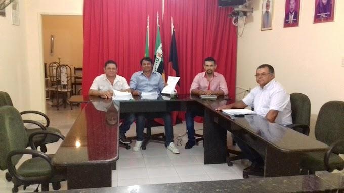 Falta de quórum na Câmara impede reajuste dos professores de Santa Cecília de Umbuzeiro