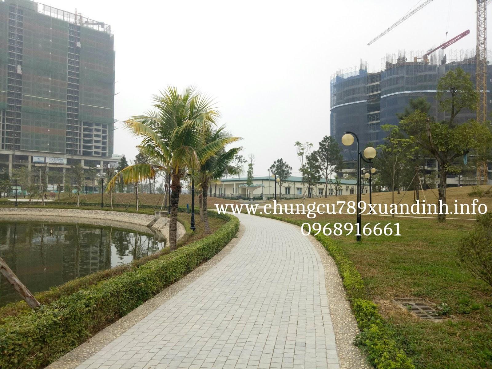 Nội khu khuôn viên Hồ hữu nghị, các dự án đang gấp rút triển khai để kịp bàn giao tới khách hàng