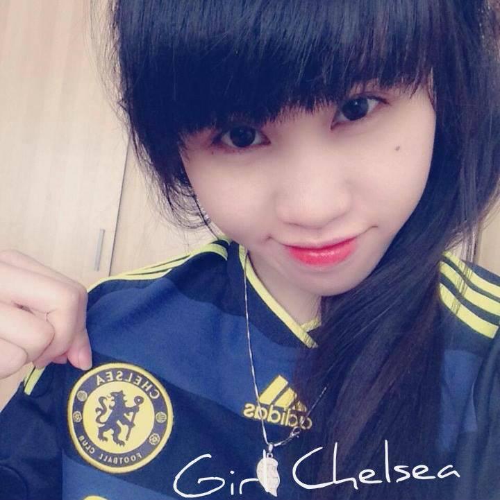 Ảnh hot girl fan nữ Chelsea xinh đẹp nhìn là muốn...