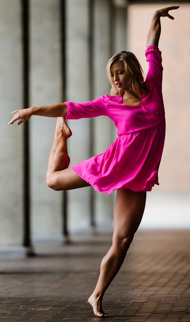 Zoe Pearson cheerleader muscular legs