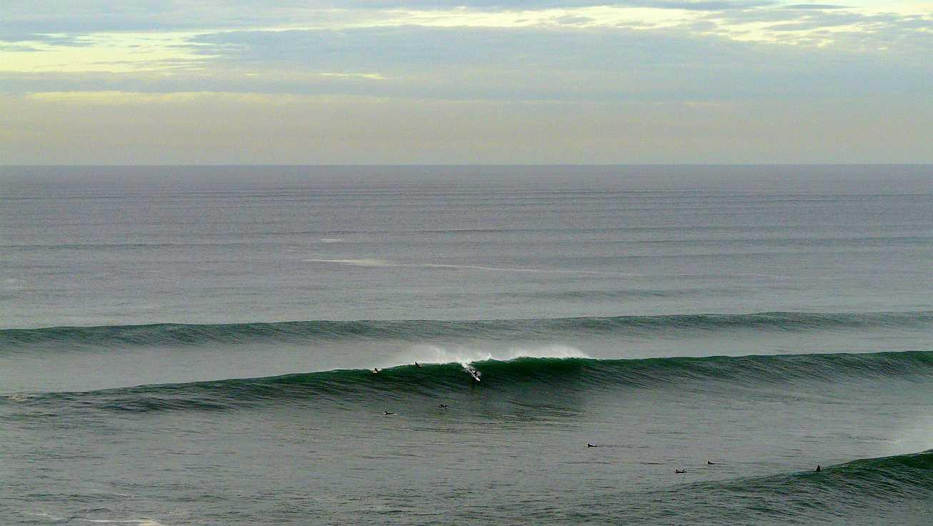 surf menakoz diciembre 2015 olas grandes 41