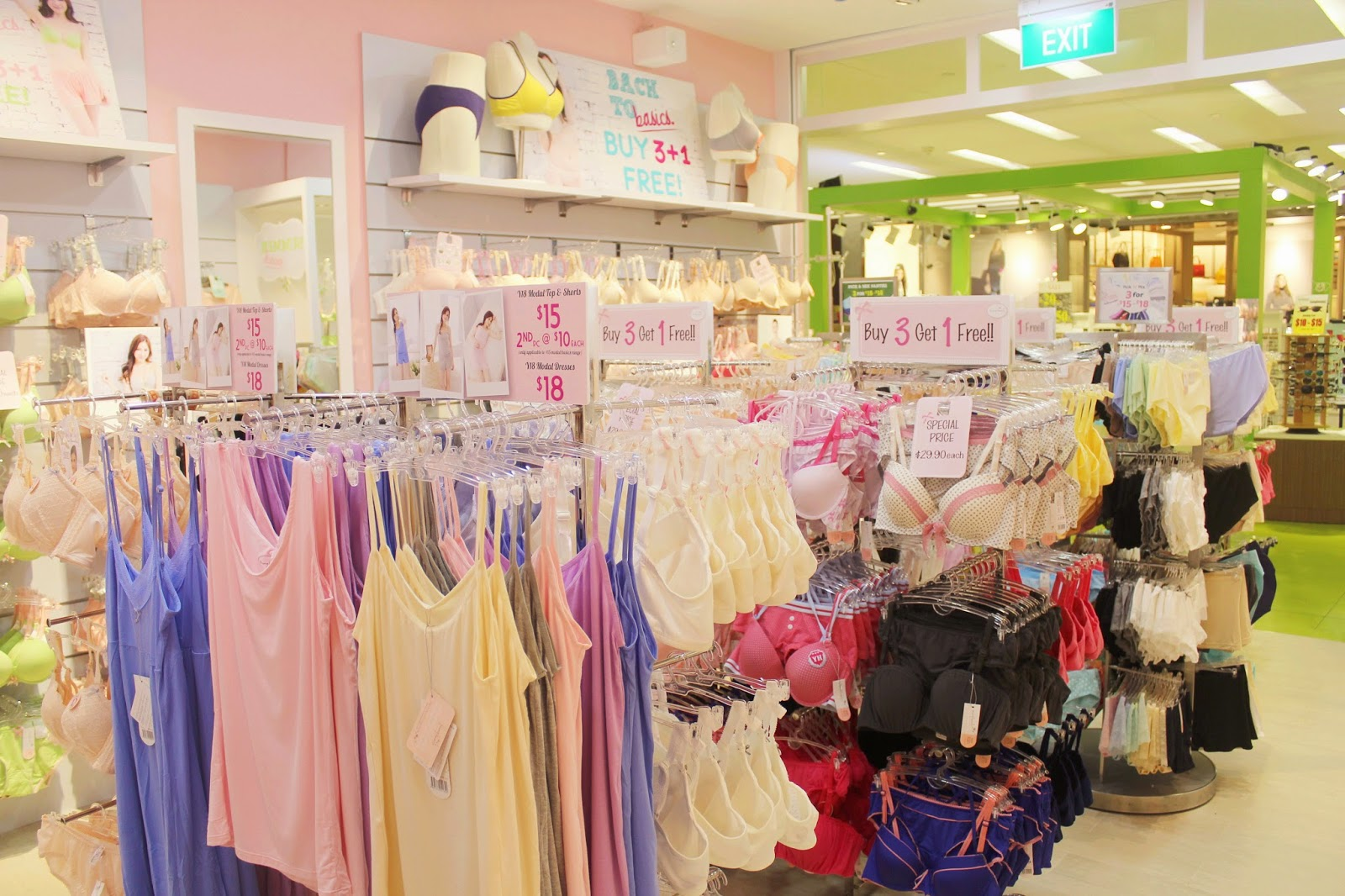 Shopping in Clementi Mall: Young Hearts – Regina Chow