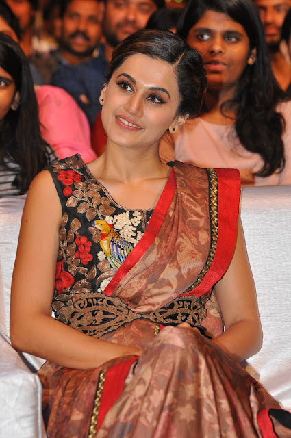 taapsee stills at anandobrahma pre release event