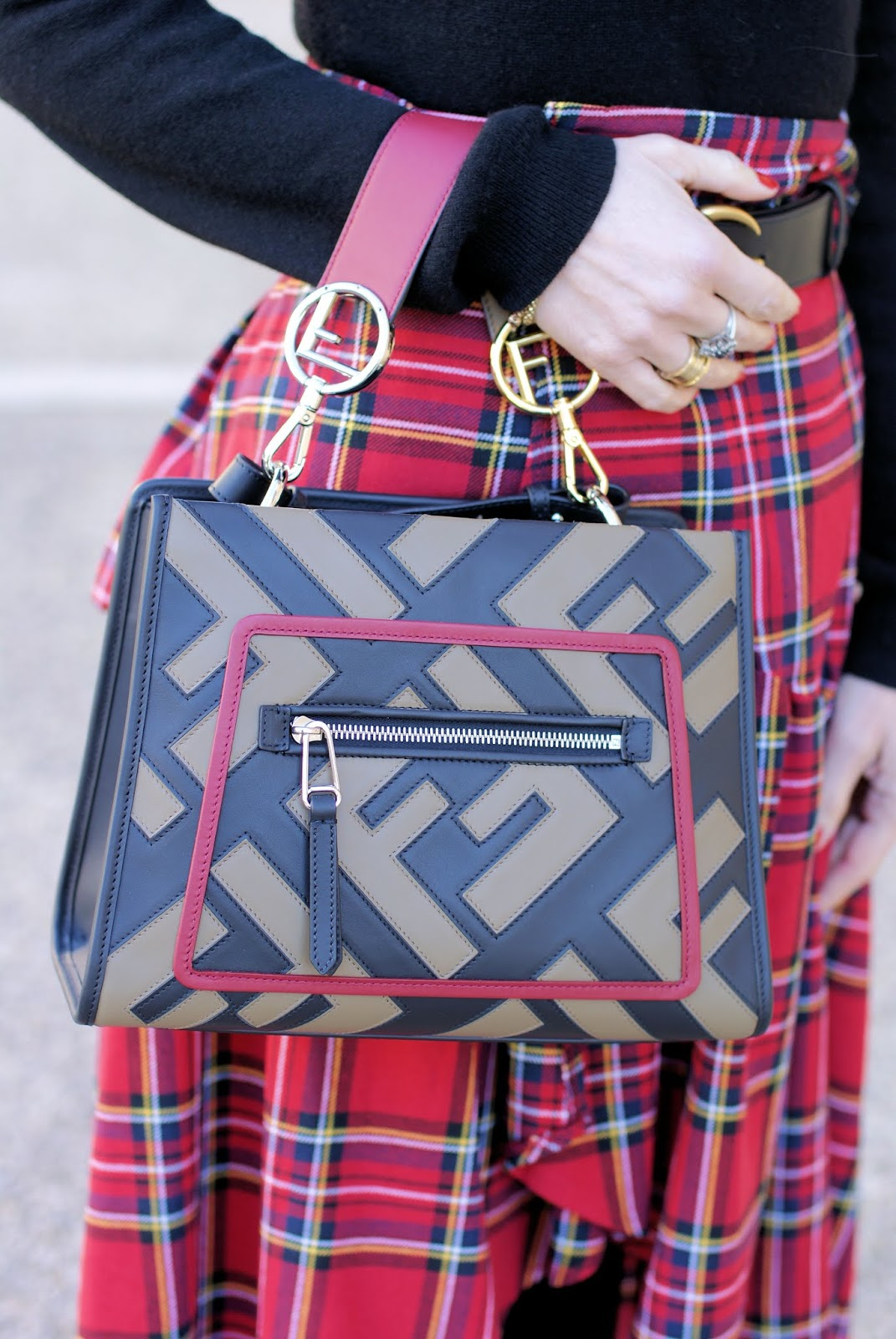 Fendi Runaway Logo bag on Fashion and Cookies fashion blog, fashion blogger style