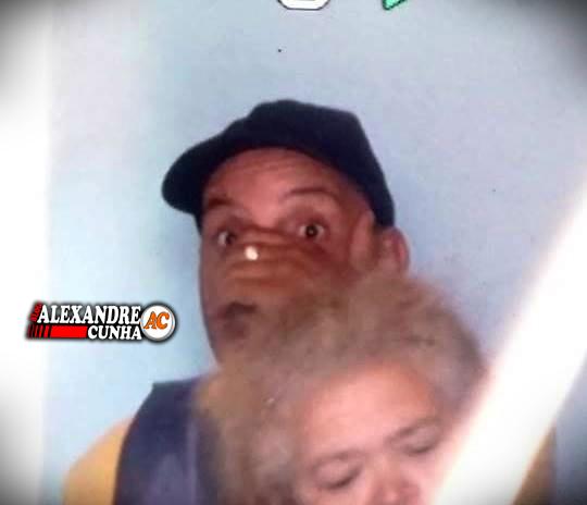 Exclusivo: Fotos, assaltantes ameaçam atear fogo em idosas que estão como reféns em Chapadinha