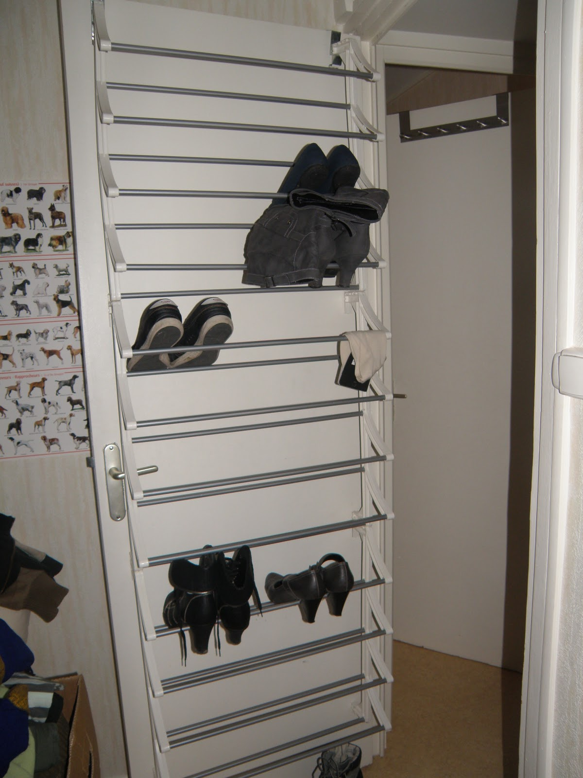 le vide dressing de mlle bulle range chaussure de porte. Black Bedroom Furniture Sets. Home Design Ideas