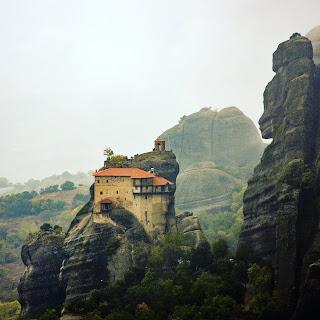vue sur le monastère - les météores