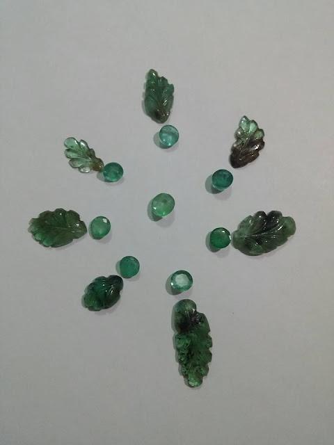 Ngọc Lục Bảo thiên nhiên natural Emerald chạm chiếc lá