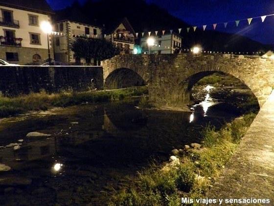 Puente medieval, Ochagavía, Navarra