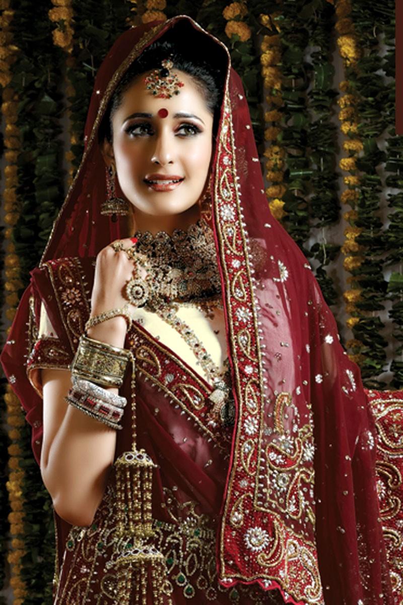 lehenga bridal choli designs indian bride designer saree latest ghagra sarees heavy lehengas bollywood brides traditional arrival pakistani purple attractive