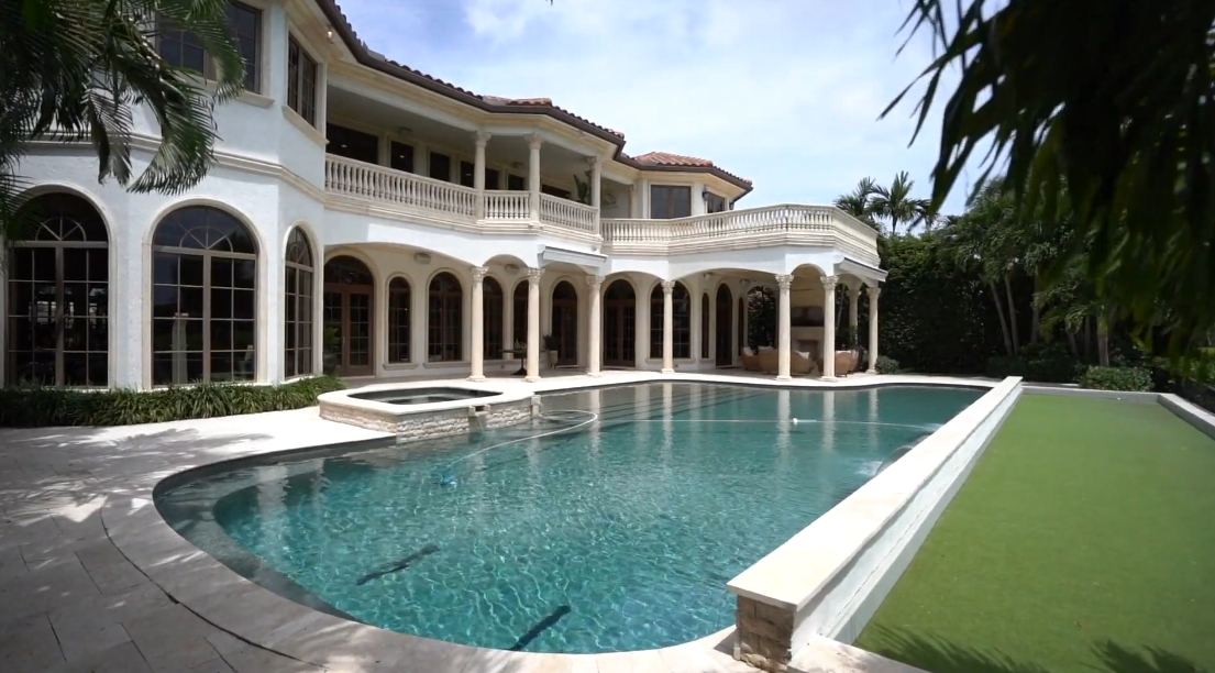 Tour 1356 Sabal Palm Dr, Boca Raton vs. 39 Interior Design Photos