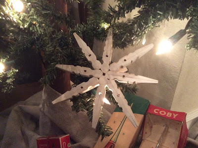 DIY Clothespin Snowflake Ornaments from Fresh Vintage by Lisa S