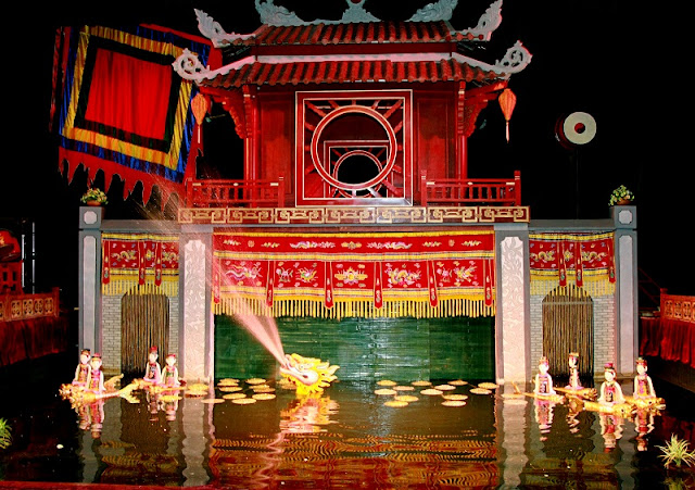 Water Puppetry - Traditional art attracts foreign visitors in Vietnam