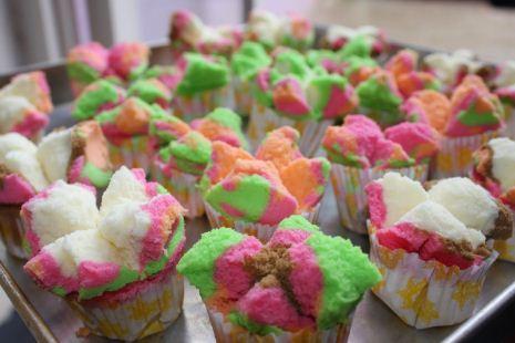 Resep membuat kue bolu kukus cantik warna